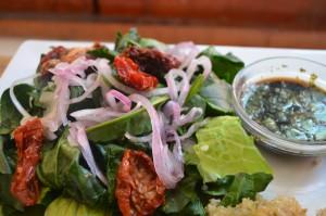 Ensalada de Espinaca y tomates deshidratados