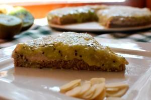 Tarta de Castañas de Caju con salsa de Kiwi y Plátano